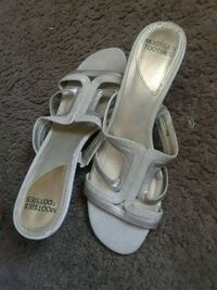 pair of white leather open-toe sandals Naples, 34102