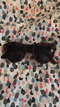 black framed Ray-Ban sunglasses Welland, L3B 3N8
