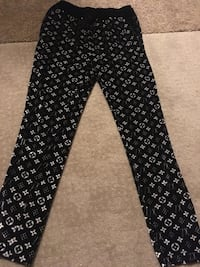 Black and white floral pants size medium  Edmonton, T6K 0J8