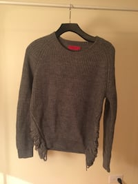 Andy & Lucy Paris Knit Sweater (S/M) Vancouver, V6E 1R5