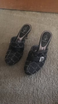 Baby phat size 9 Akron, 44314