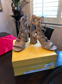 Mimosa suede women size 5 .. worn once! Excellent condition in box!!