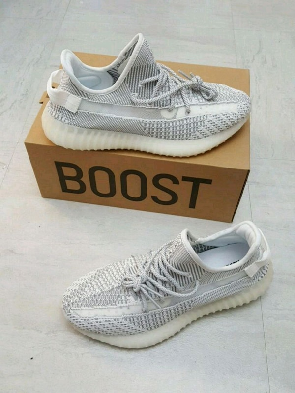 0fce429c7fab Used STATIC YEEZY SIZE 10 8.5 9.5 for sale in New York - letgo
