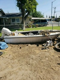 free boat wit hm motor come pick it up