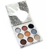 Crown Glam Medals Eyeshadow Palette Richmond Hill, L4C 4G7