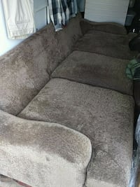 Extra long and deep green couch Elkhart, 46514