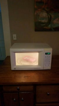 white and black microwave oven Fayetteville, 28306