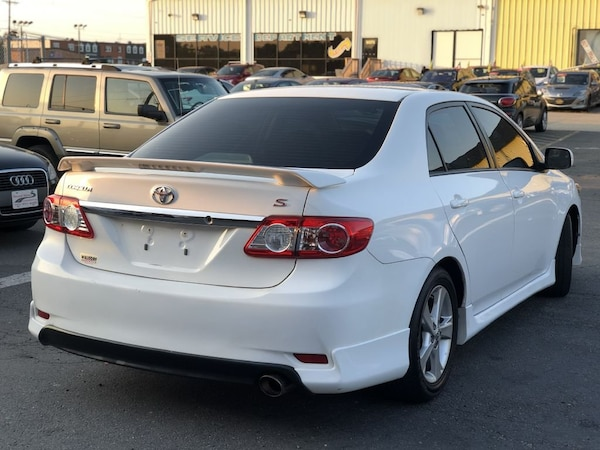 Toyota Corolla 2013 1ade9778-6a01-4709-bdef-7ee91488f384