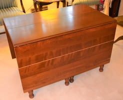 Willett Dining Room Table, Cherry, Extra Leaf and Pads, No chairs