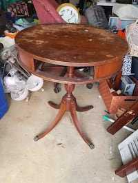 Accent table missing the drawer