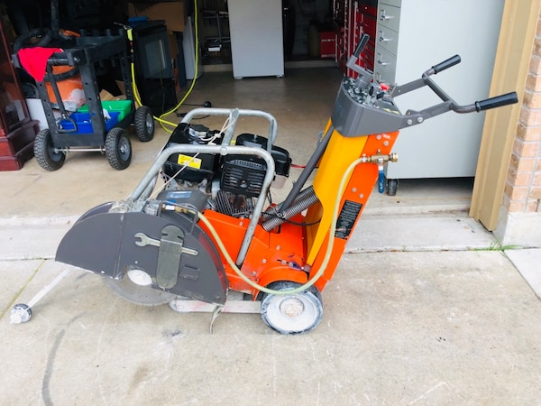 Husqvarna 18In  FS 513 Walk-Behind Concrete Saw  Self-propelled saw is  perfect for cutting sidewalks and driveways, openings for plumbing and