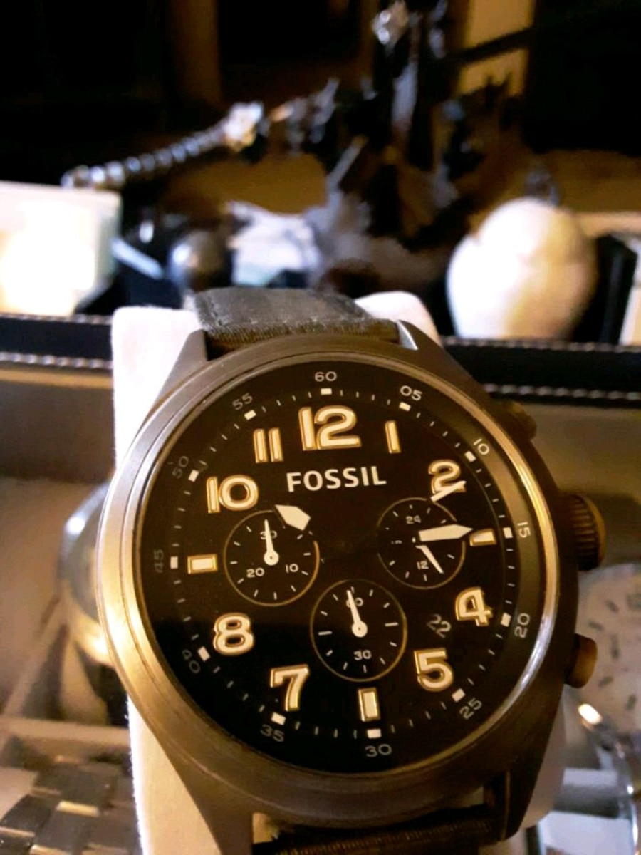 Photo Mens fossil chronograph watch