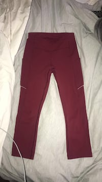 Burgundy lululemon tights (cropped)
