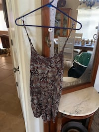 Forever 21 shorts/dress size large. Awesome price