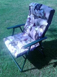 Folding garden patio deck chair with cushion