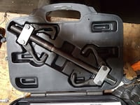 Steering wheel puller with case
