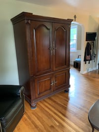 Armoire  Springfield, 19064