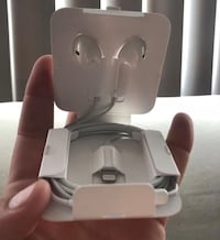 apple EarPods Downey, 90240