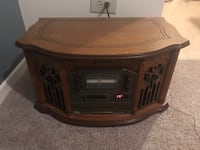 Emerson Record Player CD and AM FM Arlington Heights, 60005