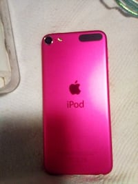 I-POD -TOUCH 128GIG. NEVER USED !!