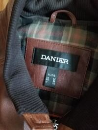 Danier Brown leather jacket  size XL Vaughan