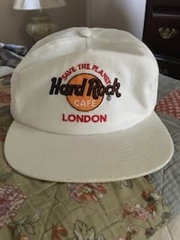 Brand new Hard Rock Cafe cap-adjustable in size 2286 mi