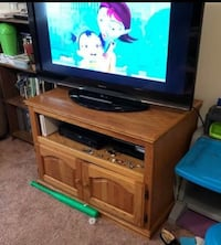 Wood TV Stand - Will Deliver 25 mi