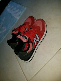 pair of red-and-black New Balance sneakers Tampa, 33624
