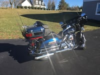 Black and blue Harley Davidson Martinsburg, 25403