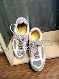 Excellent Condition Teva Running Shoes size 9.5