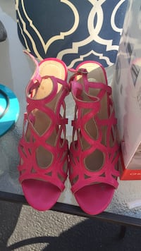 Pair of red open-toe heeled sandals Ashburn, 20147