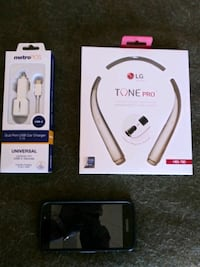 white and black wireless stereo headset box Melbourne, 32935