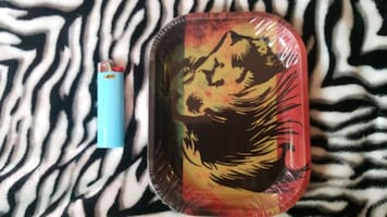 Rolling tray with lion print