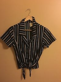 Black and white stripe button-up shirt size small Gatineau, J9A 3T4