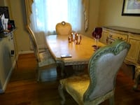 Gold/Neural Dining room set Baltimore, 21239
