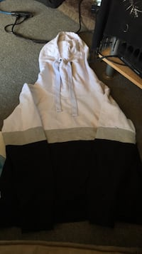 long necked sweater size XL from ardenes Guelph, N1E 6W8