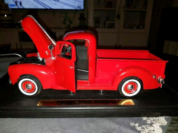 klassisk rød single cab pickup truck die-cast modell