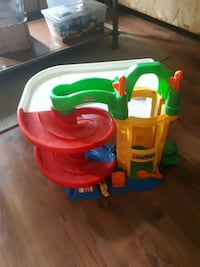 Little people Fisher Price garage Collingwood, L9Y 2Z7
