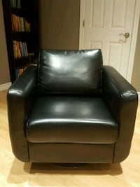 Spinning Leather Seat Barrie, L4N 8L4