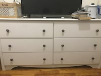6 drawer dresser . Has all knobs. Fair condition . Pick up only sorry I don't drive. New York, 10032