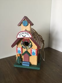 Christmas birdhouse decor