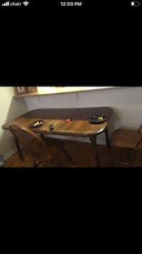 Dining table (free)