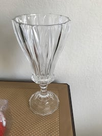 Clear cut crystal footed vase