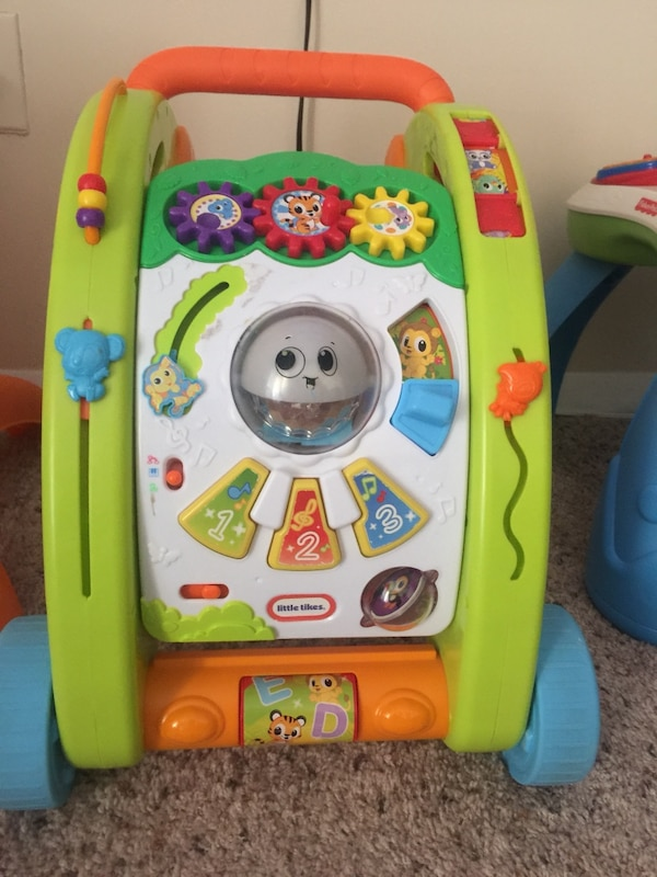 Baby learning walker with light n music