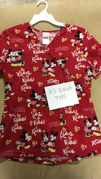 Size XS red and white mickey and minnie mouse printed scrub shirt Janesville, 53546
