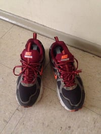 Pair of gray-and-red nike basketball shoes size 8 Winnipeg, R2L 1P8