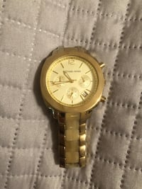 Round gold-colored chronograph watch with link bracelet Tyler