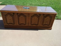 Wooden TV stand Midwest City, 73130