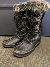 Winter Boots (Worn once only!) Toronto, M8Y 0B6