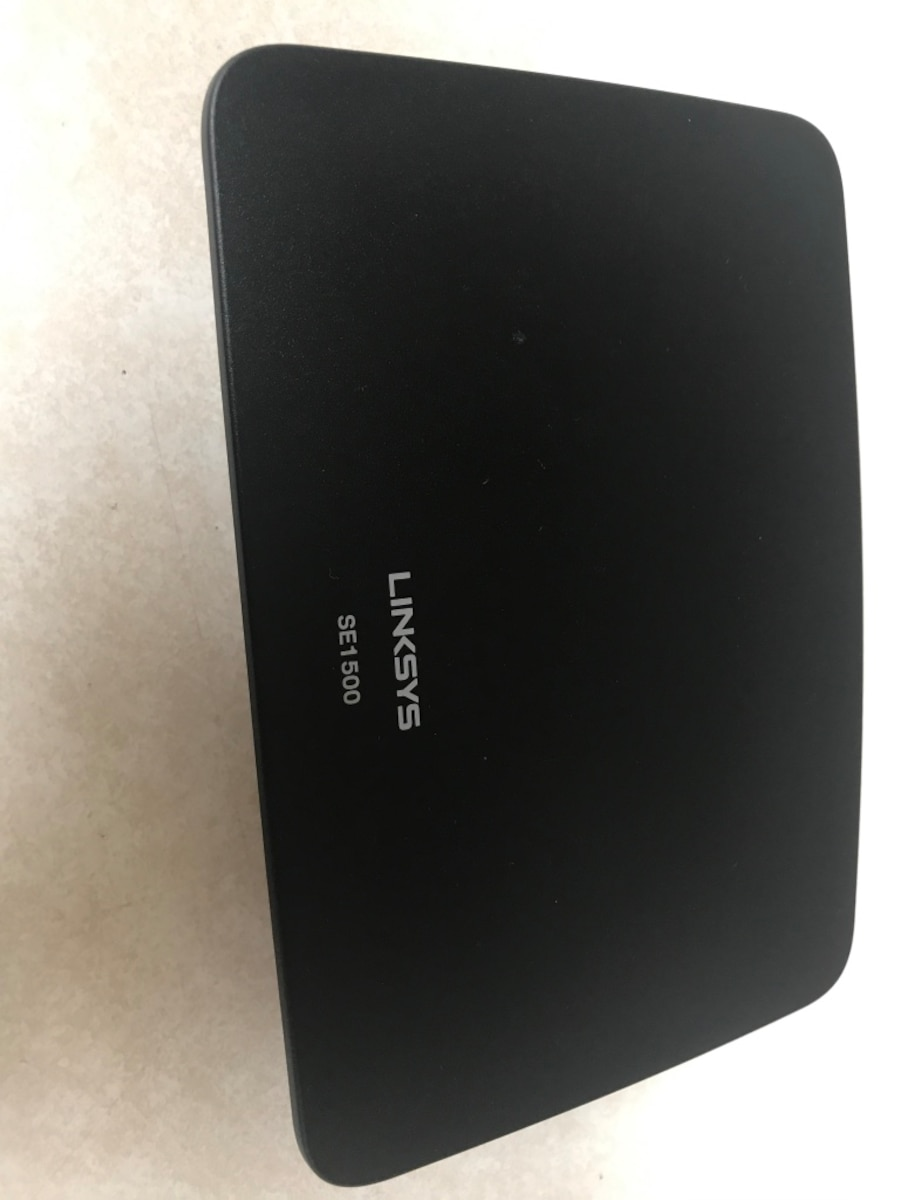 black Linksys SE1500